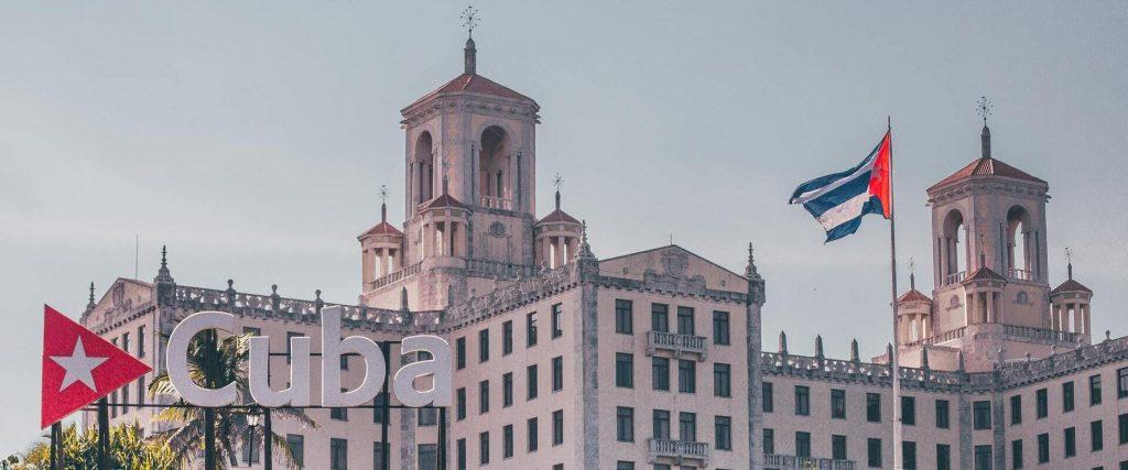 voyager à Cuba pour voir ce panneau emblématique
